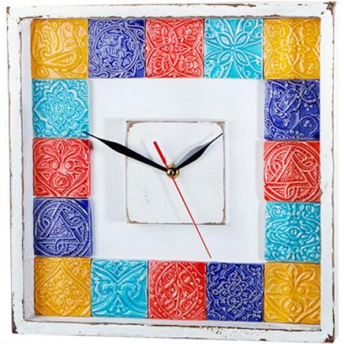 ساعت چوبی سفید