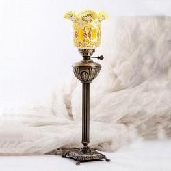 شمعدان قجری کنار مبلی