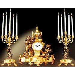 ساعت و شمعدان اطلسی