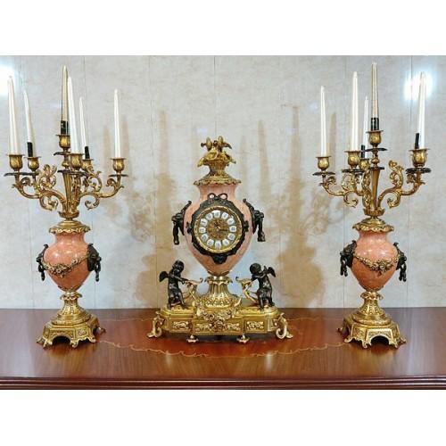 ساعت و شمعدان رومیزی صورتی