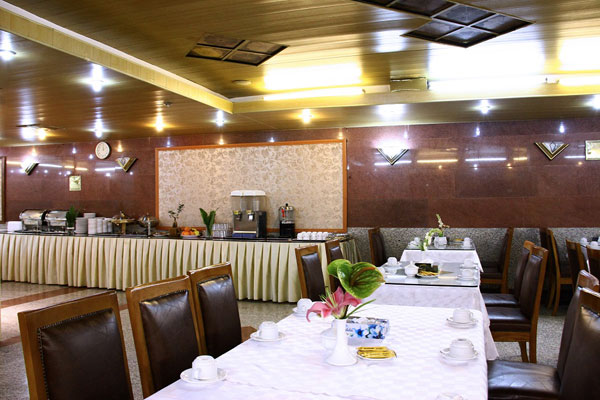 طراحی دکوراسیون رستوران ایرانی