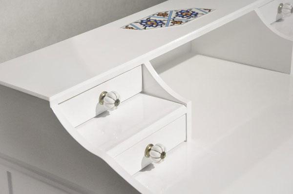 میز و صندلی تحریر سفید رنگ