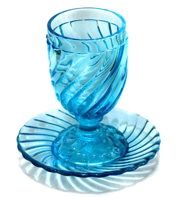 لیوان قدیمی آبی
