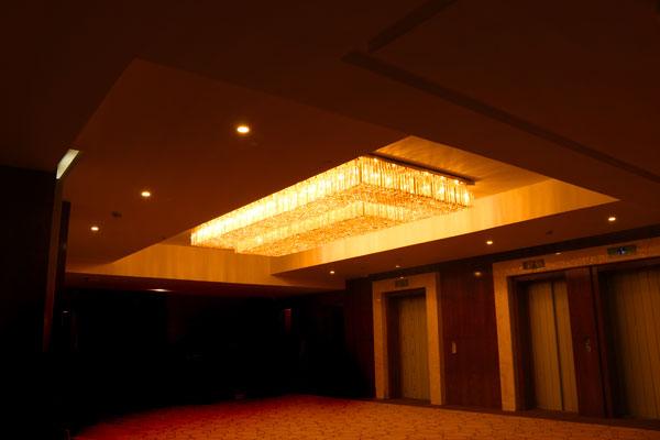 طراحی لوستر هتلی