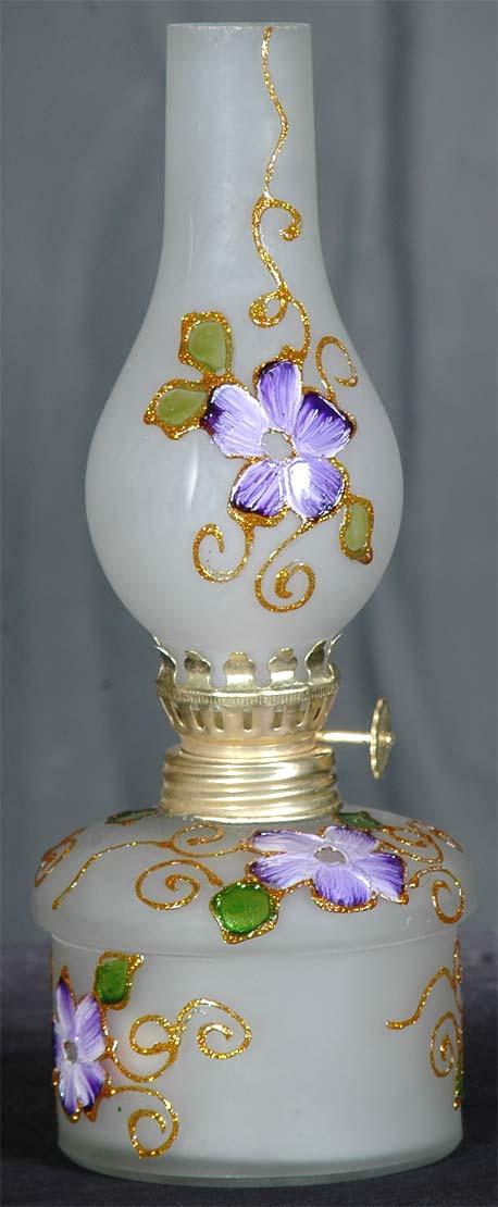 چراغ نفت سوز مات با گل بنفش
