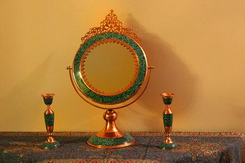آینه و شمعدان فیروزه کوب مشبک کاری شده